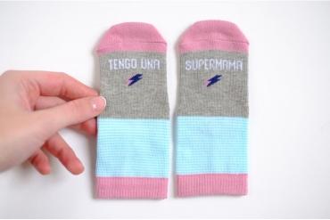 mini-calcetines-tengo-una-super-mama